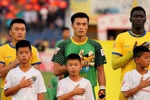 Chuyện Bùi Tiến Dũng xin lỗi vì hai bàn thua ở Yangon