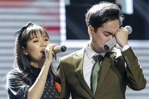 Cô gái khiếm thị khiến Ngọc Sơn khóc nức nở khi hát song ca