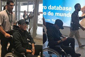 Neymar hồi hương trên xe lăn, bỏ ngỏ khả năng dự World Cup 2018