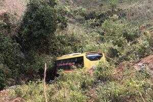 Kon Tum: Xác định nguyên nhân vụ tai nạn khiến 20 người thương vong trên đèo Lò Xo