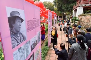 Hàng nghìn người yêu thơ hội ngộ trong Ngày Thơ Việt Nam