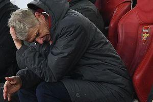Wenger định xát muối vào trái tim rỉ máu của CĐV Arsenal đến bao giờ?