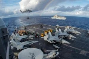 Tin thế giới: Uy lực tàu sân bay khổng lồ của Mỹ đến thăm Đà Nẵng