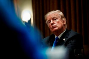 Ông Donald Trump liên tiếp nhận tin xấu