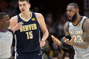 NBA 2017-18, Denver 126-117 Cleveland: LeBron có triple-double vẫn thua