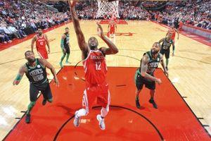 NBA 2017-18, Boston Celtics 120-123 Houston Rockets: James Harden lùi bước về sau