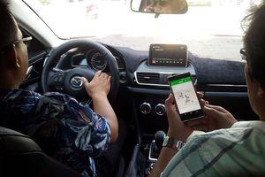Bộ Tư pháp 'thổi còi' quy định cấm dịch vụ đi chung xe