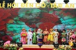Trình diễn nghi thức hầu đồng trong Lễ hội đền Cô, Tân An