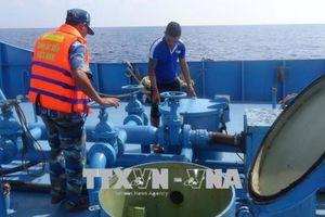 Bắt giữ nhiều tàu buôn lậu dầu trên vùng biển Tây Nam