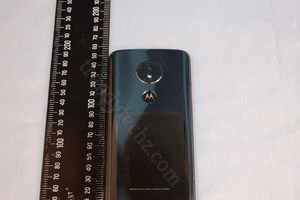Moto G6 Play lộ ảnh thực tế với màn hình 5,7 inch, tỷ lệ 18:9