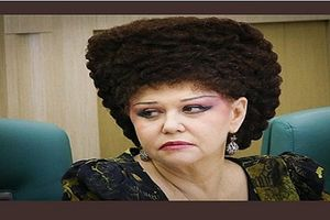 Kiểu tóc 'độc nhất vô nhị' của Nghị sĩ Nga gây sốt cộng đồng mạng