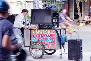 Karaoke xóm, màn 'tra tấn' nhiều người khóc ròng - Kỳ 1: Bồng con lánh nạn vì karaoke