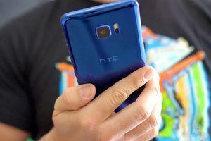 HTC U Ultra giảm giá sốc, người dùng mua đi bán lại kiếm lời