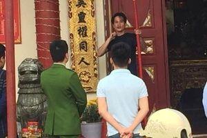 Lạng Sơn: Nam thanh niên cầm dao dí vào cổ ngay Đền Tả Phủ