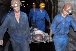 Bị cáp tời văng trúng người, thợ mỏ 29 tuổi tử vong