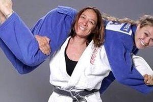 Mẹ con Ronda Rousey cùng bước lên đỉnh cao trong giới Judo