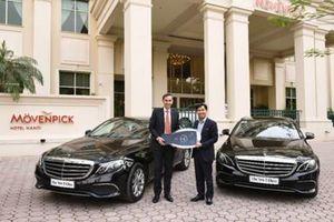 Mercedes-Benz Việt Nam bàn giao E200 thế hệ mới cho Movenpick Hà Nội