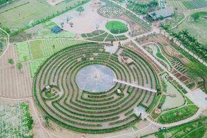 Hà Nội: Tặng vé tham quan công viên mê cung và đảo hoa hồng cho chị em nhân ngày 8/3