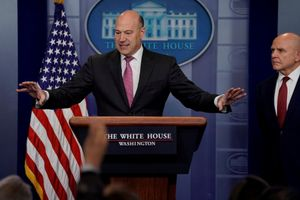 Tranh cãi về thuế nhập khẩu, cố vấn kinh tế Nhà Trắng từ chức