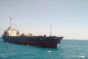Tàu chở hơn 7.000 tấn than mắc cạn ở vùng biển Bình Thuận