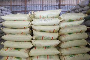 Phát hiện vụ giả nhãn hiệu hơn 1.000 tấn lúa giống