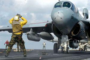 Màu quân phục thủy thủ tàu sân bay Mỹ có ý nghĩa gì?