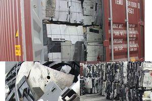 Phát hiện nhiều nhựa phế thải trong container