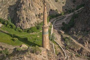 Khảo sát tháp Minaret của vua Jam để tìm cách bảo tồn