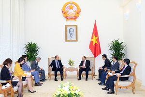 Thủ tướng tiếp Đại sứ Chilê và Lãnh đạo Tập đoàn Lotte