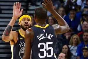 San Antonio 107-110 Golden State: Kevin Durant gánh team khi Steph Curry chấn thương