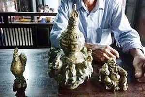 Huế: Người dân đào nền nhà phát hiện 3 bức tượng đồng nghi là cổ vật