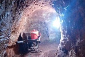 Kom Tum: Người dân đào hầm khai thác trái phép hơn 10 tấn 'vàng gốc'