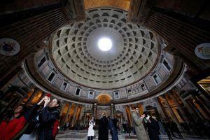 Thu vé vào cửa di tích tôn giáo: Anh làm từ lâu, Pháp- Ý tranh cãi nhưng… vẫn thu