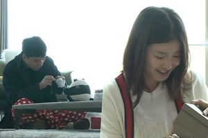 Seungri (BigBang) khoe nhà giản dị, tự tay may giày tặng con nữ diễn viên Lee Si Young