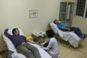 Vượt hơn 200km trong đêm hiến máu cực hiếm cứu bệnh nhân