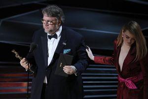 Đạo diễn 'The Shape Of Water' tuyên bố đã ly hôn vợ