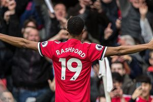 Mourinho quá cao tay tung Rashford, MU hạ gục Liverpool