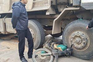Thừa Thiên Huế: Một phụ nữ đi bán gạo bị xe tải cán tử vong