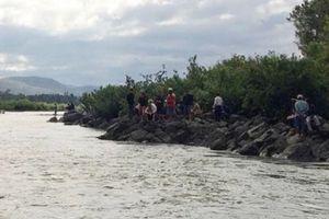 Tìm thấy thi thể 3 học sinh bị đuối nước dưới sông