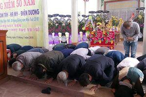 Người Hàn Quốc quỳ gối xin lỗi vụ thảm sát Hà My do lính Rồng Xanh gây ra