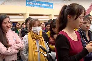 Tạm dừng chấm dứt hợp đồng đối với hàng trăm giáo viên