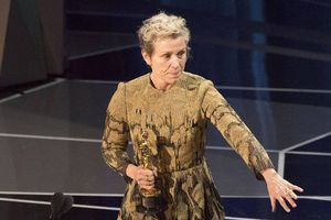 Nữ diễn viên chính xuất sắc Oscar 2018