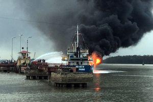 Thủ tướng yêu cầu bảo đảm an toàn cho người dân trong vụ cháy tàu dầu