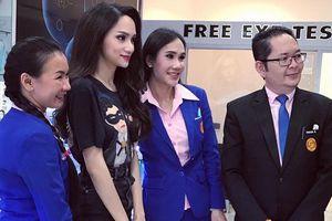 Đi mua sắm tại Thái Lan, Hoa hậu Hương Giang được khán giả quốc tế săn đón