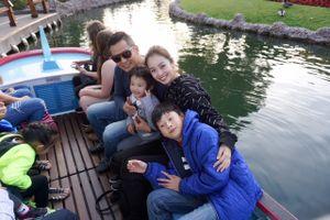 Vợ chồng Jennifer Phạm tranh thủ đưa Bảo Nam đi chơi tại Mỹ