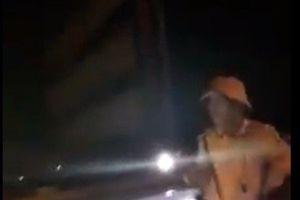 Diễn biến mới vụ Trung tá CSGT rọi đèn pin vào mặt người dân