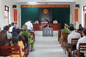 Hoãn phiên tòa giáo viên kiện Phòng GD&ĐT huyện Tây Hòa