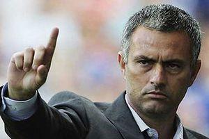 HLV Mourinho ráo hoảnh: 'Chúng tôi vừa có 3 điểm, giờ thì về nhà thôi!'