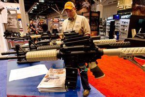 Mỹ đẩy nhanh kế hoạch trang bị vũ khí cho nhân viên trường học