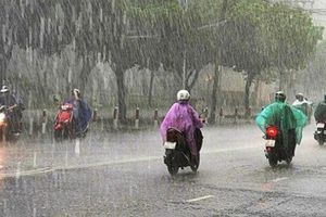 Dự báo thời tiết ngày 13/3: Nam Bộ mưa rào, miền Bắc đề phòng dông lốc